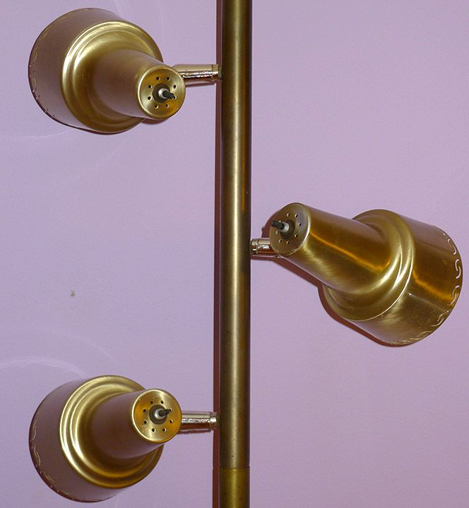 MID-CENTURY MODERN TENSION POLE LAMP FLOOR TO CEILING