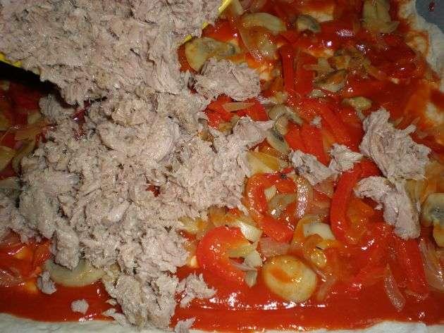 3yc9 - Pizza de atún y verdura salteada